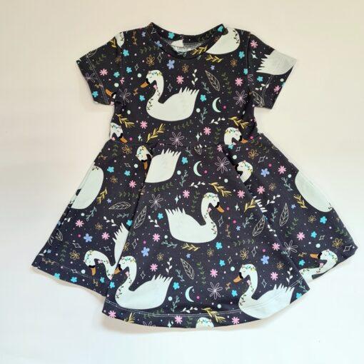kleit lastele luiged